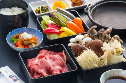 地元の季節野菜&キノコたっぷり牛肉陶板焼き御膳