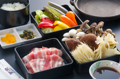 地元の季節野菜&キノコたっぷり豚陶板焼き御膳