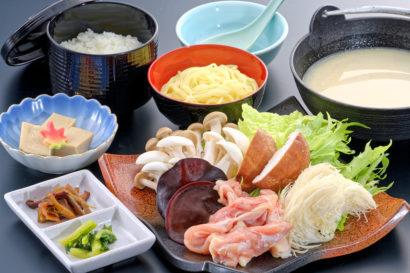 胡麻豆乳仕立て地元きのこたっぷり信州福味鶏鍋御膳