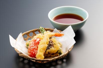 季節の天ぷら盛合せ